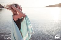 COOL-FOUTA CLASSIC FOUTA White stripes on Limpet Shell solid color plain weaving towel by Cool-Fouta at http://www.foutadeibiza.es | Photo by http://www.adriencrasnault.com/